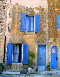 I'm not a big fan of useless shutters, but these have a purpose. Love the colors of French Blue Shutters in Provence Blue Shutters, Window Shutters, Beautiful World, Beautiful Places, Belle France, Porte Cochere, Grades, Provence France, French Blue