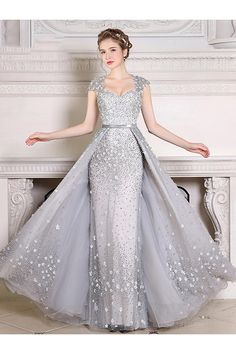 Many fashion styles of evening dresses and gowns. Sexy dresses for everyday discount prices. We have a huge selection of formal wear evening dresses, different styles of cheap formal dresses for sale! Evening Dresses With Sleeves, Evening Dresses Online, Cheap Evening Dresses, Long Evening Gowns, Ball Dresses, Prom Dresses, Formal Dresses, Dress Online, Dresses Uk