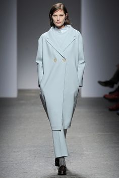 No. 21 Fall 2013 RTW - Review - Fashion Week - Runway, Fashion Shows and Collections - Vogue