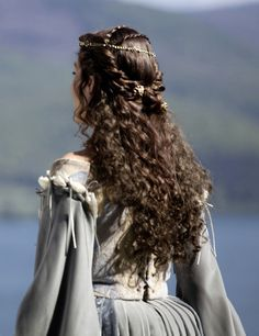 Read Princesas from the story FOTOS by QuenKendal (Letícia Rodrigues) with reads. Renaissance Hairstyles, Historical Hairstyles, Narnia, Pretty Hairstyles, Wedding Hairstyles, Fantasy Hairstyles, Red Hairstyles, Hair Inspo, Hair Inspiration