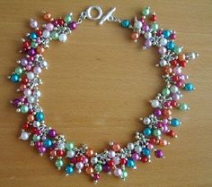 Kralen.com - Inspiratie wissel je uit bij kralen.com - Kettelen Beaded Earrings, Beaded Jewelry, Jewelry Necklaces, Beaded Bracelets, Bracelet Crafts, Jewelry Crafts, Friendship Gifts, Schmuck Design, Beads And Wire