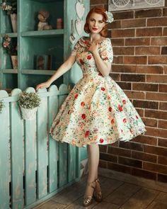 Best vintage fashion pin up makeup 56 Ideas Mode Rockabilly, Rockabilly Fashion, Cute Vintage Outfits, Vintage Dresses, 1950s Outfits, Pin Up Outfits, 1950s Dresses, Emo Outfits, Simple Outfits