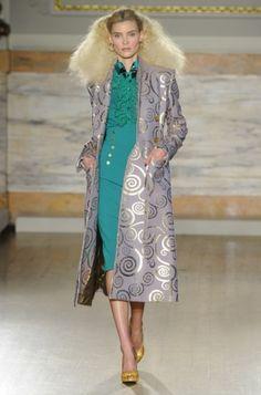 L'Wren Scott Londra - Spring Summer 2014 Ready-To-Wear - Shows - Vogue. London Fashion Weeks, Fashion Week Paris, World Of Fashion, Fashion News, High Fashion, Fashion Show, Womens Fashion, Runway Fashion, Review Fashion