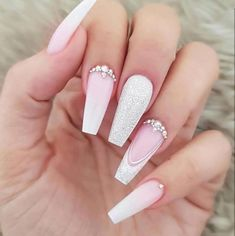 Nails 32 Eye Catching Nail Design Ideas Perfect For Four Season - Millions Grace Cute Acrylic Nails, Cute Nails, Pretty Nails, My Nails, Long Nail Designs, Ombre Nail Designs, Nail Art Strass, Nagellack Trends, Nail Decorations