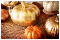 pumpkins: glitter/super-shine metallic spray paint by caroline Metal Pumpkins, Glitter Pumpkins, Painted Pumpkins, Metallic Spray Paint, White Spray Paint, Metallic Decor, Metallic Gold, White Gold, Autumn Crafts