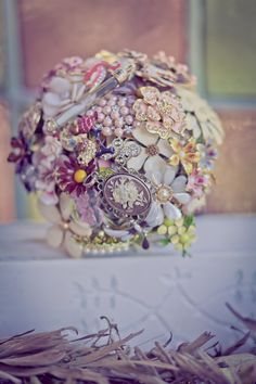 A modern bouquet or bridal headdress perhaps? Idk, but it's sparkly :)