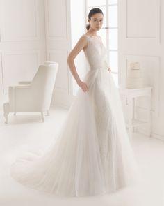 EVELYN - Collection Rosa Clará Two 2016 de robes de mariée. J aime ce style de robe ac qlq modifs,  cette idée d avoir 2 robes en 1!! original :)