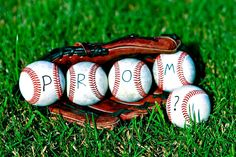 5 fun, offbeat trends of Southern proms Cute Prom Proposals, Homecoming Proposal, Asking To Prom, Ask Out, Prom Photography, Prom 2015, Prom Pictures, Prom Pics, Senior Prom