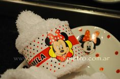 Vajilla y toallita de Minnie. PARTY FAVORS. Mickey and Minnie party  http://antonelladipietro.com.ar/blog/2012/06/cumple-mellis-disney/