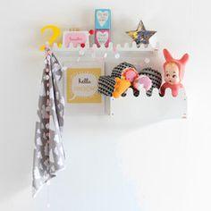 Shelf Box / Hooks . Sinus