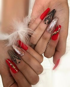 23 Best Red Acrylic Nail Designs of 2019 Looking for some trendy red acrylic nails? These glam nail designs will have your fingers looking fashionable in no time. One Glitter Nails, Red And Gold Nails, Red Stiletto Nails, Coffin Nails Matte, Red Acrylic Nails, Glam Nails, Bling Nails, Red Nails, Cute Nails