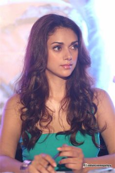 Hollywood Actresses, Indian Actresses, Aditi Rao Hydari Hot, Celebrity Gallery, India Beauty, Indian Girls, Bollywood Fashion, Pretty Woman, Celebrities