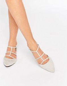 Glamorous – Flache Wildleder-Schuhe mit Ghillie-Schnürung in Stone