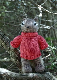 Fuzzy Thoughts: free pattern: polo-neck pullover
