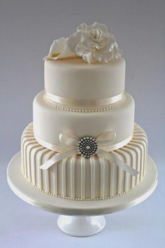 Melodycakes: Designing Your Own Wedding Cake - Things To Know within Design Your Own Wedding Cake - Cake Design Ideas Funny Wedding Cakes, White Wedding Cakes, Elegant Wedding Cakes, Elegant Cakes, Beautiful Wedding Cakes, Gorgeous Cakes, Wedding Cake Designs, Pretty Cakes, Amazing Cakes