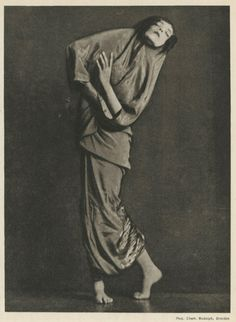 """madivinecomedie: """"  Charlotte Rudolph. Mary Wigman ® tancmuzeum See also """""""