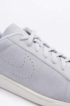 2c3a29d6d606 Nike Tennis Classic CS Platinum Grey Trainers