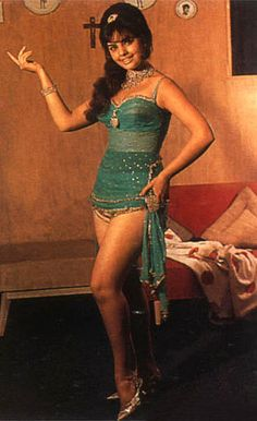 Mumtaaz a ground breaking actress who made Saree a fashionable item for all Indian women , best known for Ram Aur Shyam 1965.