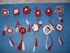 Diy Home Crafts, Crochet Earrings, Felt, Drop Earrings, Christmas Ornaments, Holiday Decor, Baba Marta, Martie, Embroidery