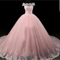Apr 2020 - American wedding dress designers specializing in custom made to order wedding gowns & evening dresses you can afford from the USA. Pretty Quinceanera Dresses, Pretty Prom Dresses, Sweet 16 Dresses, Elegant Dresses, Formal Dresses, Ball Gown Dresses, Evening Dresses, Maskerade Outfit, Quince Dresses