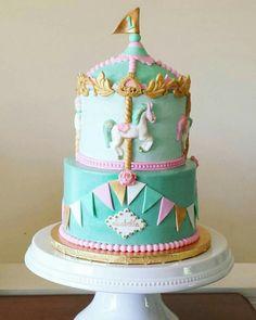 Carousel cake                                                                                                                                                                                 Más