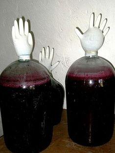Если у вас дома растет обыкновенный виноград, и вы даже не знаете, как называется этот сорт, поздравляю вас! Из этого простого сорта можно сделать прекрасное виноградное вино в...