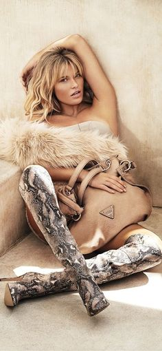 Guess Accessories Fall/Winter 2014 - love the purse