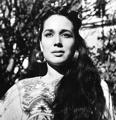 Flor Silvestre beautiful actress & singer from Salamanca, Gto