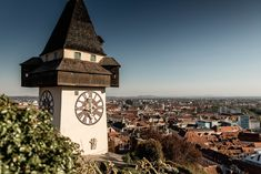 Graz ist die zweitgrößte Stadt Österreichs und hat so einiges zu bieten. Meine Route, Highlights und Tipps für einen Tag in Graz gibt es hier. Am Meer, San Francisco Ferry, Big Ben, Highlights, Building, Blog, Travel, Old Town, Day Trips