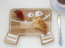 Brettchen - Frühstücksbrett MonTi DOG - ein Designerstück von julicadesign bei DaWanda