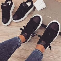 Sneakers Mujer Outfit Zapatos 43 Ideas For 2019 Sneakers Fashion, Fashion Shoes, Shoes Sneakers, Adidas Sneakers, Shoes Heels, Fashion Outfits, Dream Shoes, Crazy Shoes, Cute Shoes