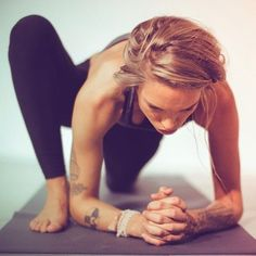 lizard lunge #yoga- one of my favorites!: