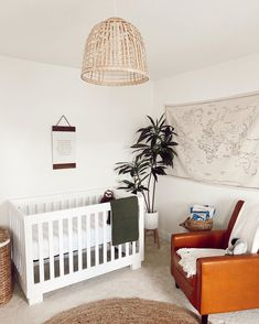 💖 modern and cozy 🥰 • #babyletto Modo crib • 📷: nursery designed by mama @rachel___scott Mamas And Papas, Convertible Crib, Best Crib, Cribs, Nursery Furniture, Gliders, New Moms, Rachel Scott, This Is Us
