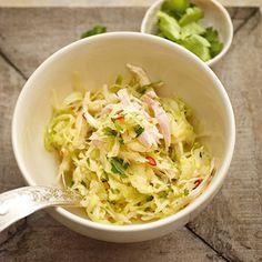 Asiatischer Kohlsalat mit Hühnerstreifen Rezept | Küchengötter