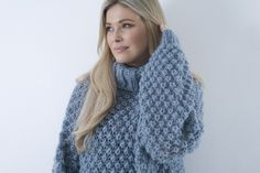 Thick Sweaters, Sweaters For Women, Turtleneck Outfit, Knitwear, Turtle Neck, Boutique, Jumpers, Knitting, Womens Fashion