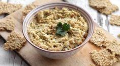 Houmous de betterave jaune et crackers aux flocons d'avoine