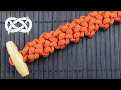 How to make a Noodlin Quick Deploy Paracord Braclet - YouTube