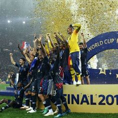 Antoine Griezmann, Hugo Lloris, France Football, Pogba, Soccer Inspiration, Champions, Fifa, World Cup, Competition