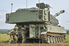 Soldiers conduct a fire coordination exercise with an Paladin at the Grafenwoehr Training Area in Germany Aug. Military Weapons, Military Life, Military History, M109, Self Propelled Artillery, World Of Tanks, Battle Tank, Big Guns, Military Photos