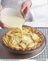 Apple-Custard Pie Pie season is coming! Master our Perfect Pastry Dough, then use it to make elegant French Apple-Custard Pie.Pie season is coming! Master our Perfect Pastry Dough, then use it to make elegant French Apple-Custard Pie. Apple Custard Pie, Custard Pies, Apple Pie Crust, Apple Crumble Pie, Apple Strudel Puff Pastry, Fruit Custard Tart, Magic Custard Cake, Vanilla Custard, French Apple Pies