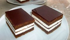 Easy and quick recipe for delicious Kinder pingui cake! Bake my cake, it's easy to make! Great Desserts, Delicious Desserts, Yummy Food, Sweet Recipes, Cake Recipes, Dessert Recipes, Bake My Cake, Kolaci I Torte, Pub Food