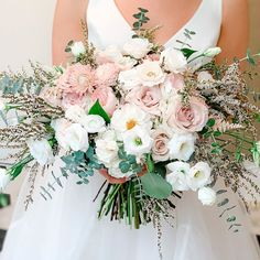 There aren't enough words to describe this bouquet😍 love the rose and blush combination! The perfect transition from summer to fall! Birmingham, Alabama | Alabama Wedding | Birmingham Wedding Planner | Becky's Brides Wedding Coordinator, Wedding Planner, Autumn Summer, Fall, Birmingham Alabama, Bride Bouquets, Wedding Designs, Brides, Floral Wreath