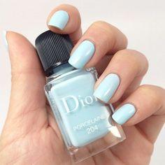 Azzurro porcellana per le unghie
