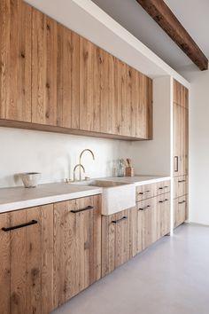 Designed by MONTIS SASTRE arquitectura + Jorge Bibiloni Studio. Located in Mallorca, Spain. Photo by Tomeu Canyellas. Rustic Kitchen, Kitchen Decor, Küchen Design, House Design, Loft Design, Cabin Kitchens, Mediterranean Homes, Interior Design Kitchen, Kitchen Furniture