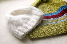 Looking for information on how to knit a hat and knitting patterns? Improve your knowledge on this and find out more about knitting with Idiot's Guides.