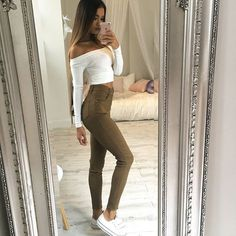 Regram from our babe @mimiperkinsLove this combo  Our 'Fill Me In' jeggings + 'Keep It Going' top ✔️ Shop them now via the link in our bio ☝️ #showpo