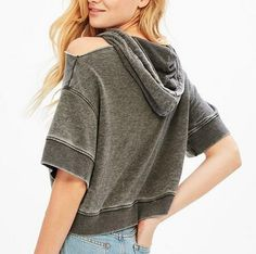 Pink cut out crop top short sleeve hoodies with strings for young women