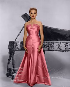 Old Hollywood Actresses, Hollywood Icons, Vintage Hollywood, Hollywood Stars, Classic Hollywood, Tres Jolie Photo, The Sweetest Thing Movie, Deborah Kerr, 40s Dress