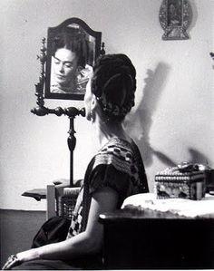 beloved frida kahlo <3