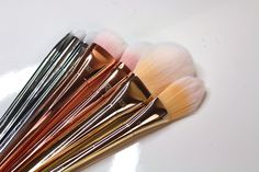 Making Up the Midwest: Review & Demo: Real Techniques Bold Metals Brush Collection